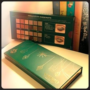 Emerald City Eyeshadow Palette (12 colors)